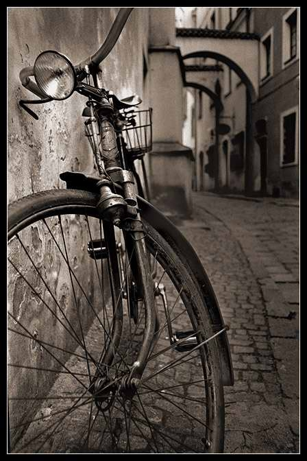 old_bicycle_2_by_danielvojtech[1]